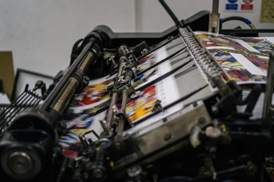 Proces stampe na dvobojnoj masini Heidelberg cilindar